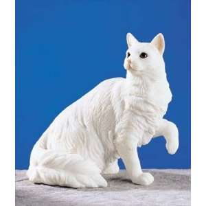 Turkish Angora Cat   Collectible Figurine Statue Figure