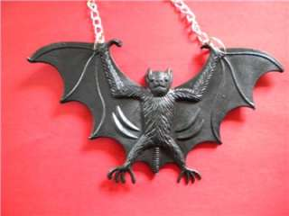 LARGE BLACK VAMPIRE BAT NECKLACE. EMO/ GOTH / HALLOWEEN