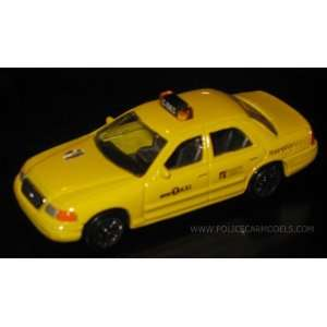 1/64 NYC New York City TAXI Cab Toys & Games