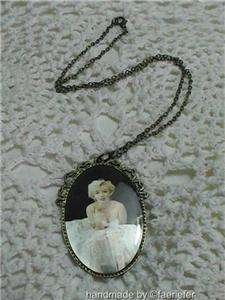 Marilyn Monroe vintage style retro necklace fan gift