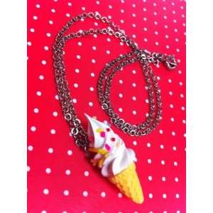 Ice cream necklace freshly squeezed white with chips/Adorable fake