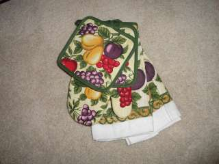 5PC KITCHEN FRUIT APPLE PEARS PLUM CHEERIES POT HOLDER & TOWELS SET