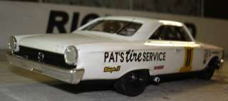 PATS TIRE SERVICE 1963 Ford Galaxie 500 Custom Built 1/32 Scale