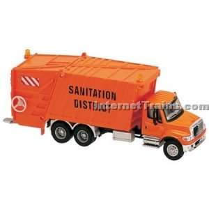 Boley HO Scale International 7000 3 Axle Garbage Truck