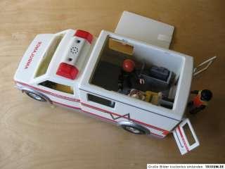playmobil hospital playset ambulance playmobil. Black Bedroom Furniture Sets. Home Design Ideas