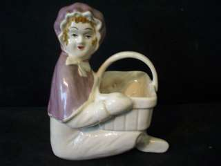 BRUSH MCCOY PURPLE RIDING HOOD BASKET PLANTER #B410.