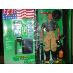 GI Joe Action Figure with Footlocker and Accessories 12