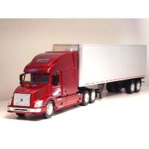 1:32 Volvo VN 780 Tractor Trailer G scale Toy truck