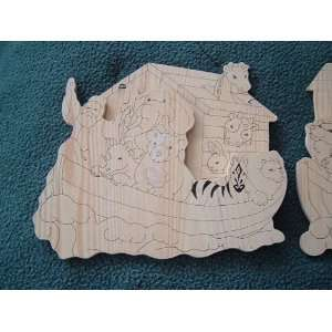 ARK WALL DECOR WITH HANGERS 2 PIECE SET 9 X 8 Arts, Crafts & Sewing