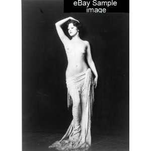 TITLE[Dorothy Knapp, Ziegfeld girl, full length