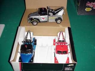 Jada 1/24 Showroom floor 1953 Chevy Tow truck 3 truck set
